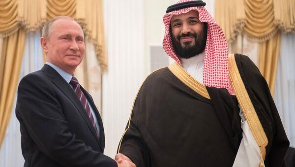 El presidente de Rusia, Vladímir Putin, y el príncipe heredero de Arabia Saudí, Mohamed bin Salmán - Sputnik Mundo