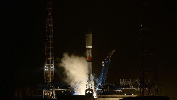 Lanzamiento del cohete portador Soyuz 2.1B (archivo) - Sputnik Mundo
