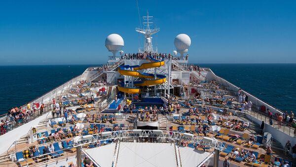 Un buque turístico de pasajeros - Sputnik Mundo
