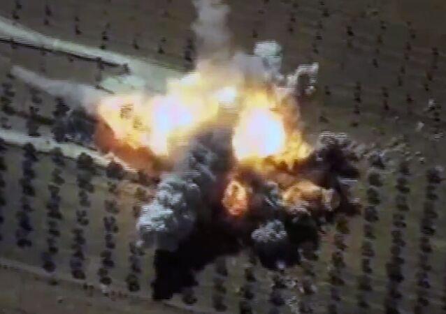 Un impacto del misil de crucero ruso Kalibr contra un almacén de los terroristas en Siria (archivo)