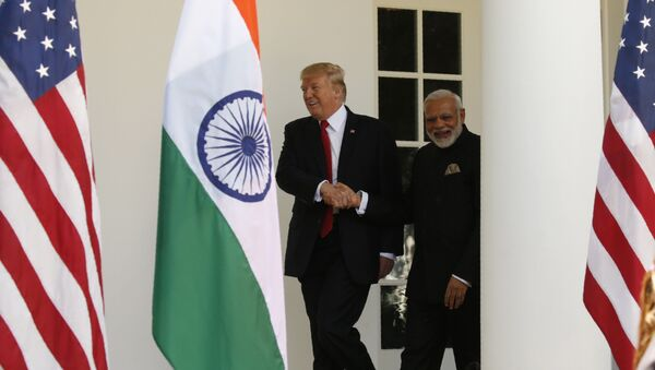 Presidente de EEUU, Donald Trump, y primer ministro de la India, Narendra Modi - Sputnik Mundo