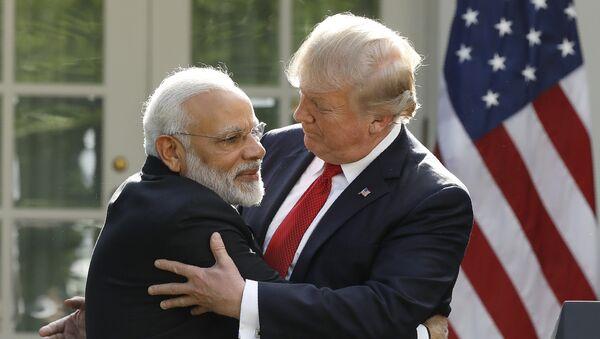 Primer ministro de la India, Narendra Modi, y presidente de EEUU, Donald Trump - Sputnik Mundo
