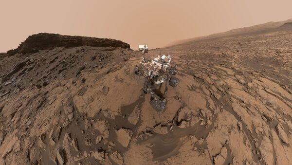El rover Curiosity en la superficie de Marte - Sputnik Mundo