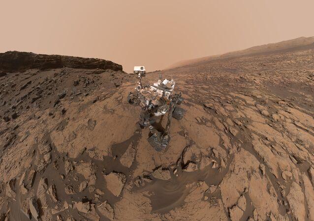 El rover Curiosity en la superficie de Marte