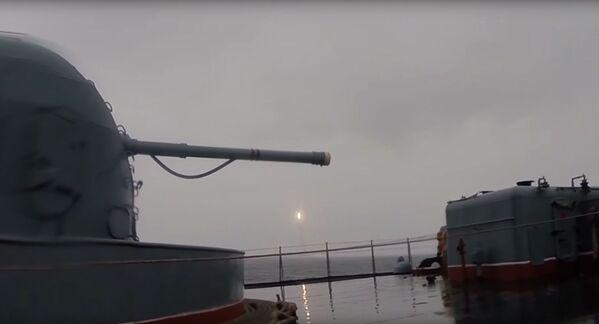 La 'maza' potente que hace temblar a los enemigos de Rusia - Sputnik Mundo