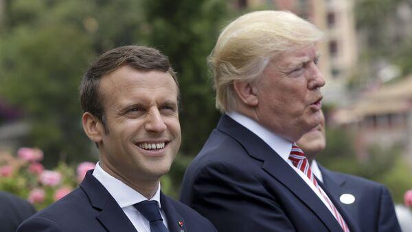 Presidente de Francia, Emmanuel Macron, y presidente de EEUU, Donald Trump - Sputnik Mundo