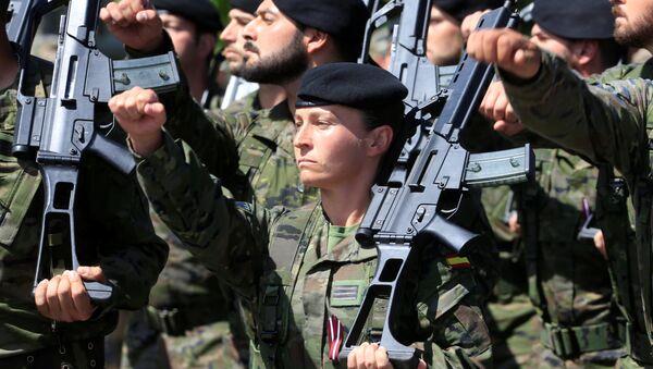 El Ejército de España en Letonia durante las maniobras de la OTAN en el Báltico - Sputnik Mundo