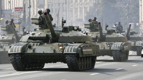 Desfile militar en Ucrania 2008 - Sputnik Mundo