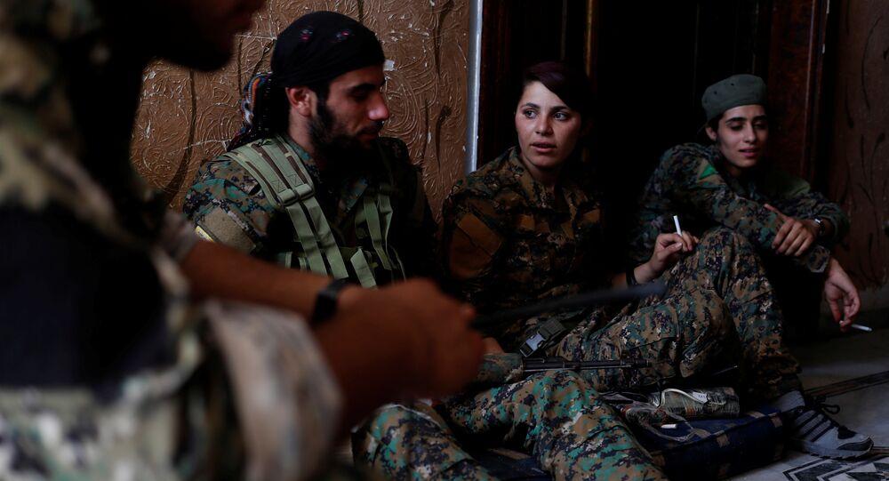 Milicianos kurdos