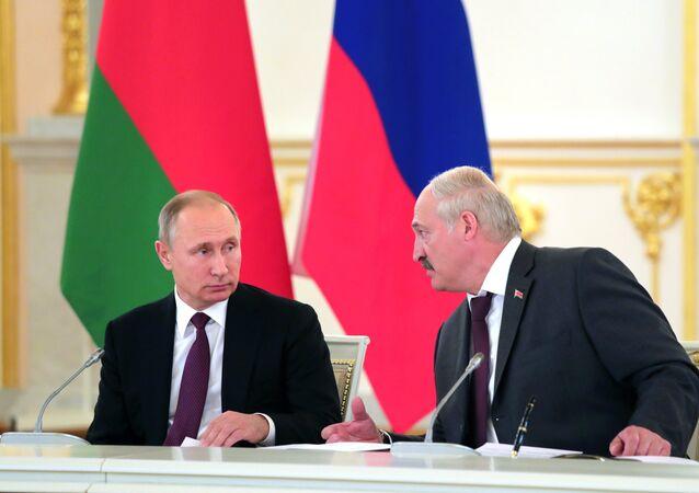 Presidente de Rusia, Vladímir Putin, y presidente de Bielorrusia, Alexandr Lukashenko (archivo)