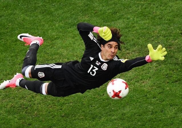 Guillermo Ochoa, guardameta de la selección de México