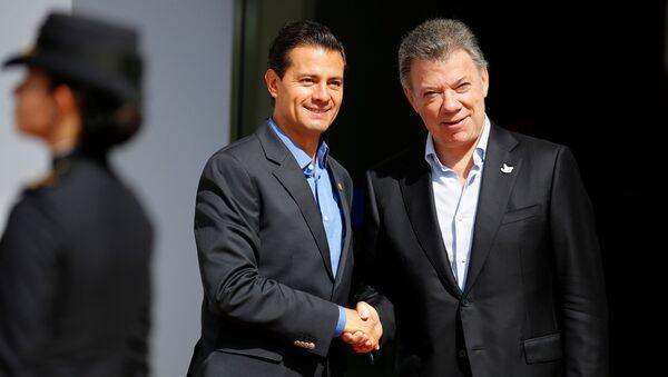 Presidente de México, Enrique Peña Nieto, y presidente de Colombia, Juan Manuel Santos - Sputnik Mundo