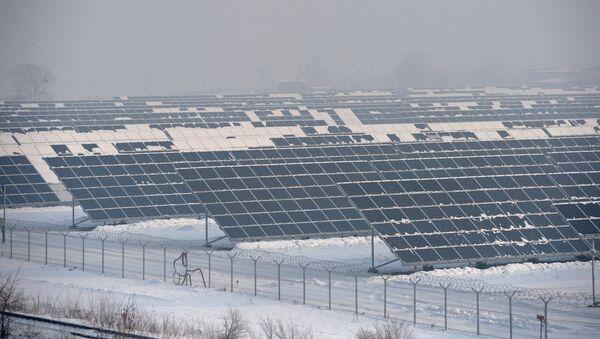 Открытие новой солнечной электростанции в Хакасии - Sputnik Mundo