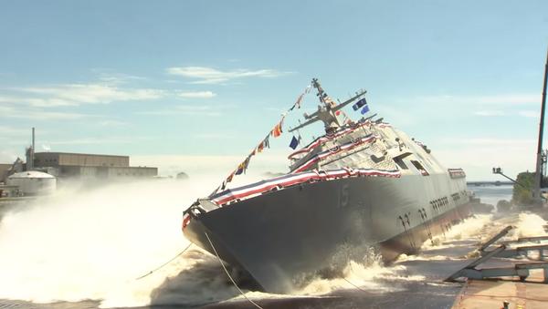 La botadura del nuevo buque de combate de la Armada de EEUU - Sputnik Mundo
