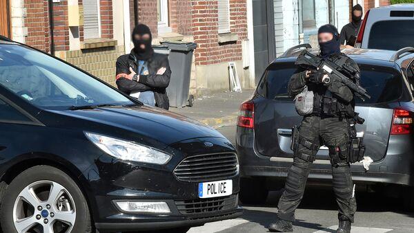 Policía francesa (imagen referencial) - Sputnik Mundo
