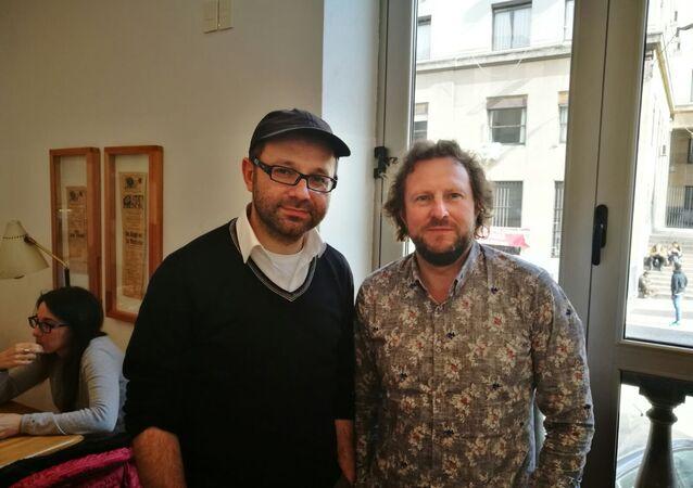Roman Kuperschmidt, clarinetista, y Juri Gilbo, director de la Orquesta Rusa de Cámara de San Petersburgo