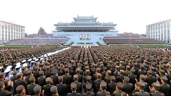 Ejército de Corea del Norte celebra el exitoso lanzamiento balístico - Sputnik Mundo