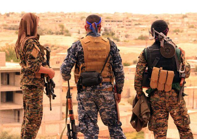 Soldados de las Fuerzas Democráticas Sirias (FDS) (archivo)