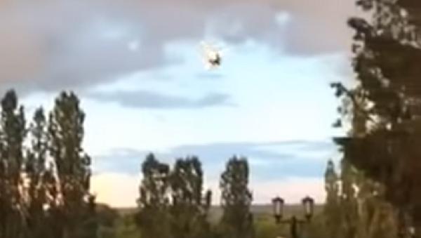 Una avioneta se estrella durante un espectáculo aéreo en Rusia - Sputnik Mundo