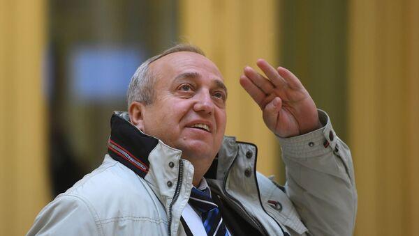 El vice presidente primero del Comité de Defensa y Seguridad del Senado ruso, Frants Klintsévich. - Sputnik Mundo