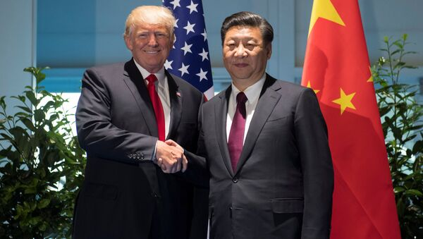 Presidente estadounidense, Donald Trump, y su homólogo chino, Xi Jinping - Sputnik Mundo