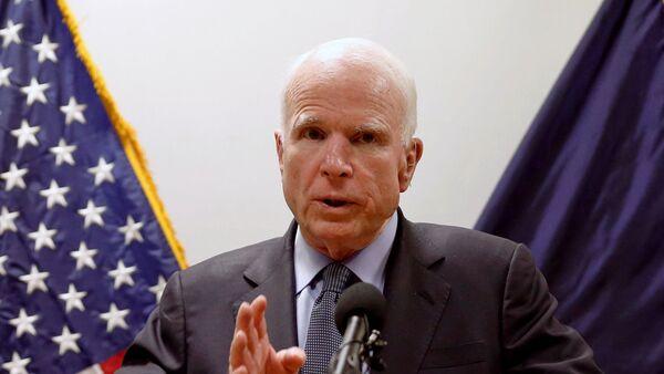 El senador estadounidense, John McCain - Sputnik Mundo
