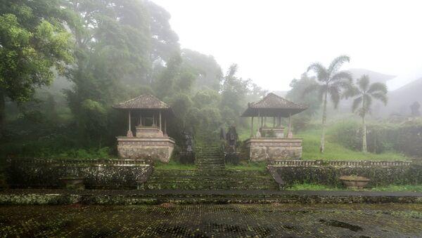 El misterioso hotel indonesio Bedugul Taman - Sputnik Mundo