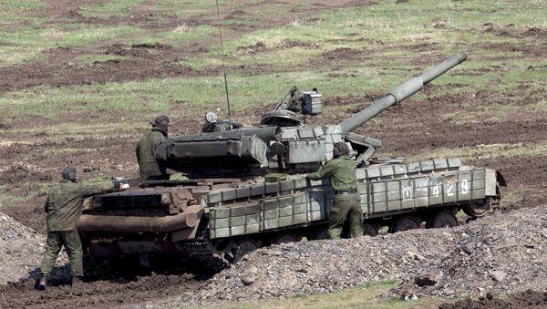 Ejercicios militares de la autoproclamada República Popular de Lugansk, Ucrania - Sputnik Mundo