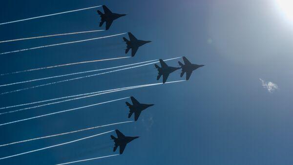 Cazas MiG-29 de la escuadrilla Strizhi - Sputnik Mundo