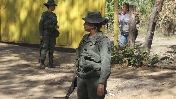 Policía venezolana en la frontera con Colombia (archivo) - Sputnik Mundo