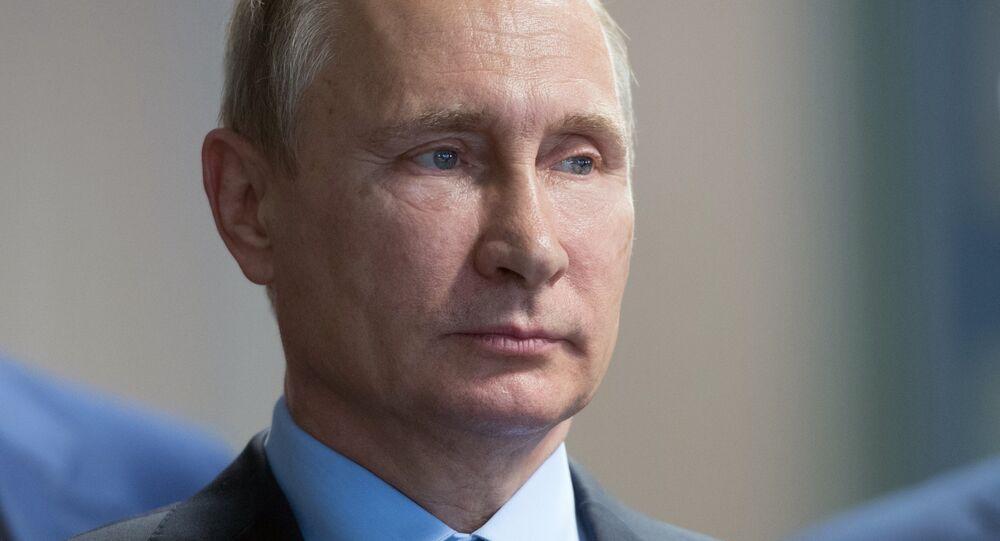 Vladímir Putin, presidente de Rusia, durante la reunión con los empleados de la planta de procesamiento de mineral de hierro Lebedinski
