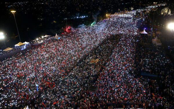 Manifestaciones multitudinarias en Ankara y Estambul - Sputnik Mundo