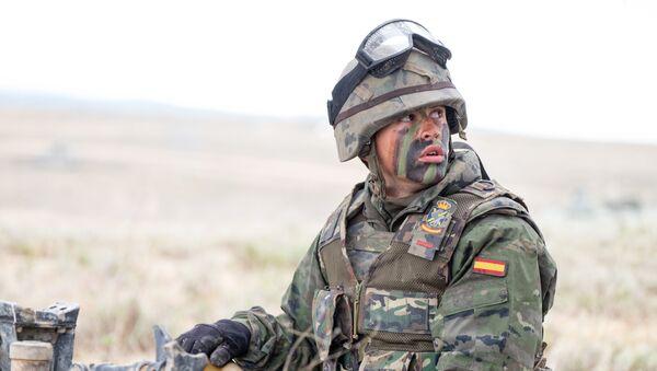 Un soldado español de la OTAN (imagen referencial) - Sputnik Mundo