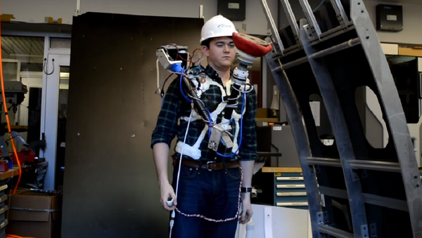 Aucto, la mano robótica para facilitar tareas en el ambiente de trabajo - Sputnik Mundo