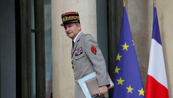 El jefe del Estado Mayor de las Fuerzas Armadas francesas, general Pierre de Villiers - Sputnik Mundo