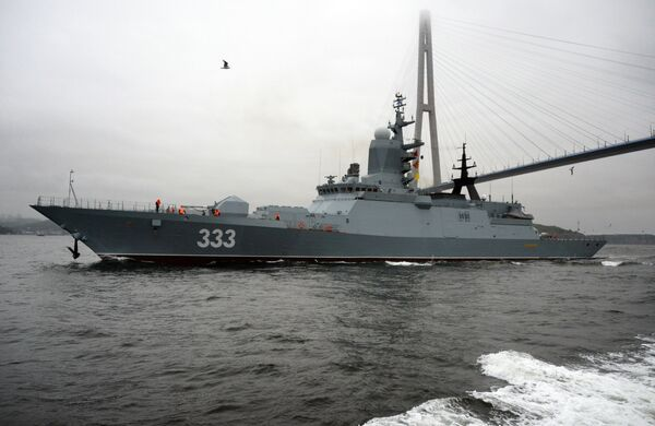 La flota rusa del Pacífico da la bienvenida a la corbeta Sovershenni - Sputnik Mundo