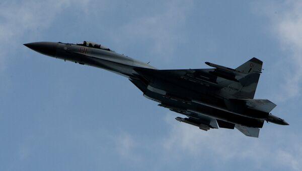 El avión Su-35S (archivo) - Sputnik Mundo