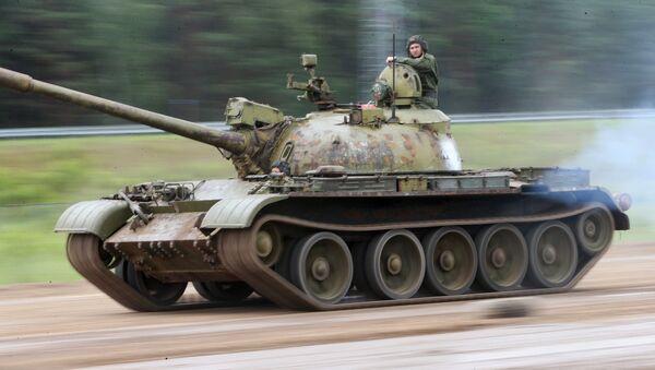 Un T-55 soviético, operado por el Ejército de Bielorrusia (imagen referencial) - Sputnik Mundo