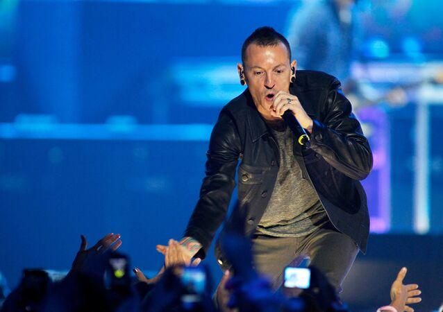 Chester Bennington, vocalista de Linkin Park, durante un concierto (archivo)