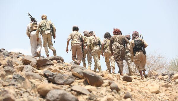 Los combatientes leales al presidente legítimo Abdo Rabu Mansur Hadi en Yemen (archivo) - Sputnik Mundo