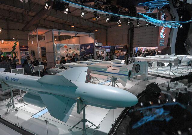 Estand de Tactical Missiles Corporation en el Salón Aeroespacial Internacional MAKS 2017