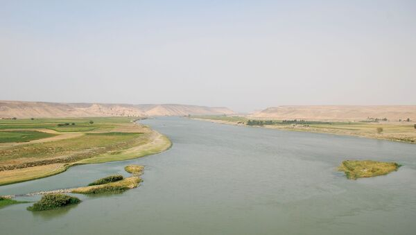 Río Éufrates, Siria - Sputnik Mundo