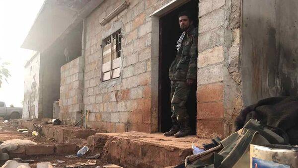 Un soldado sirio (archivo) - Sputnik Mundo