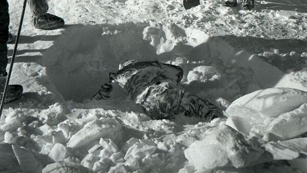 Uno de los cuerpos hallados en el lugar del misterioso incidente - Sputnik Mundo