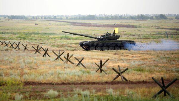 Un tanque T-72B3 (archivo) - Sputnik Mundo