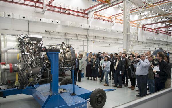 El motor SaM-146 en la planta Saturn - Sputnik Mundo
