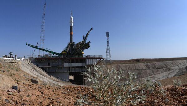 El cohete portador Soyuz-FG con la nave Soyuz MS-05 a bordo - Sputnik Mundo