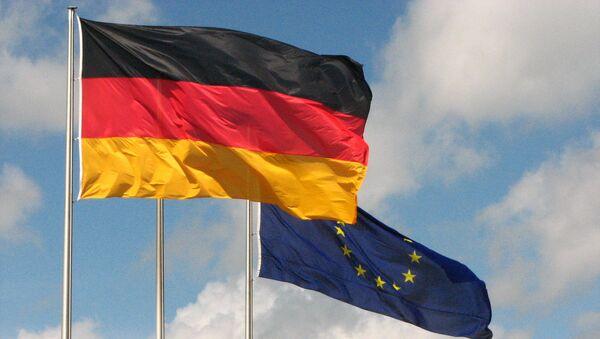 Las banderas de Alemania y la UE - Sputnik Mundo