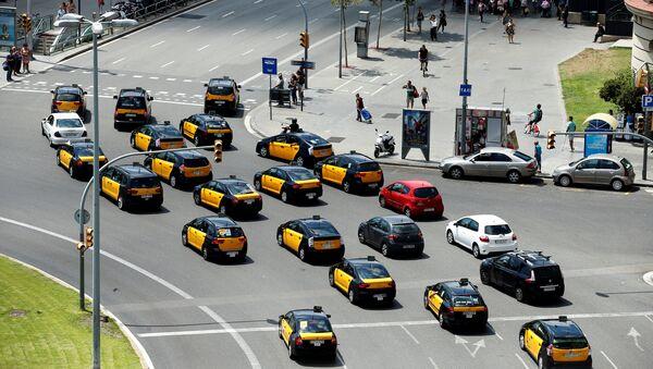 Protestas contra Uber y Cabify en Barcelona - Sputnik Mundo