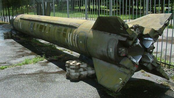 El misil balístico soviético R-17 (Scud) - Sputnik Mundo